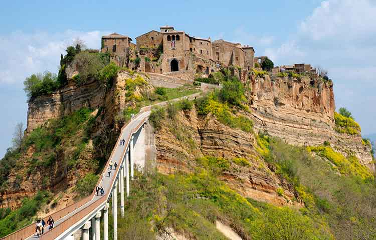 Civita di Bagnoreggio and Orvieto private excursions